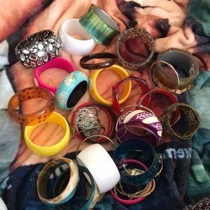 Jewelry - Large bundle of Bangles